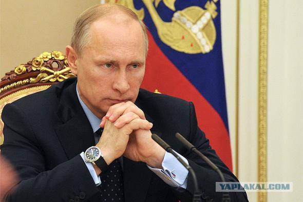 Падение рубля не задело рейтинг Путина