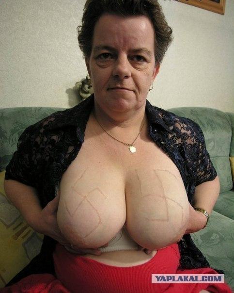 amatööri seksikuvat vanhempi nainen alasti