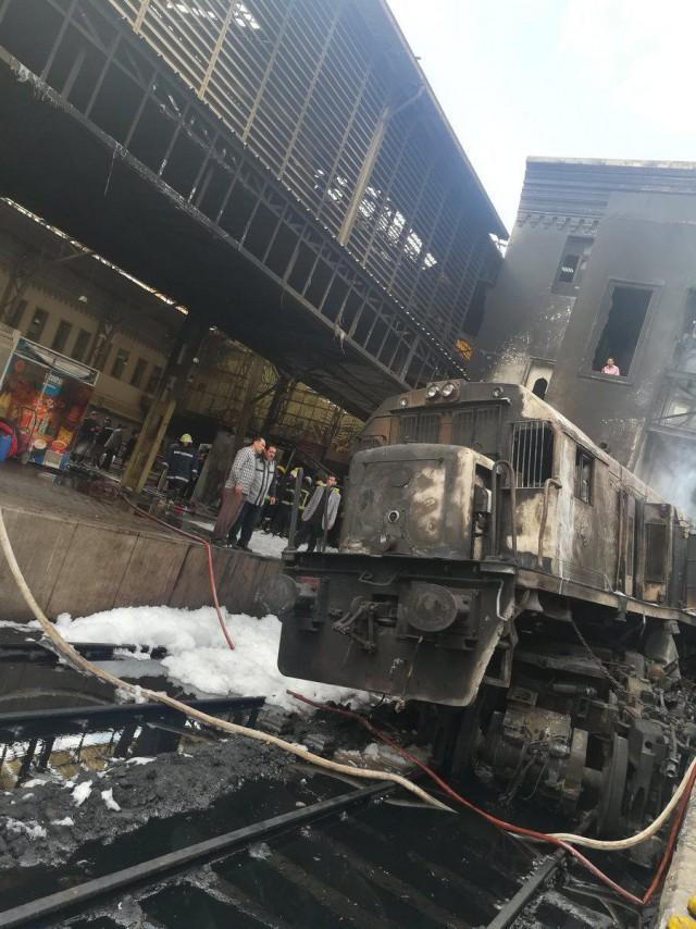 На вокзале в Каире загорелся поезд. Погибли более 20 человек