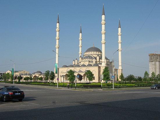В правительстве поддержали идею поместить мечеть «Сердце Чечни» на купюру в 200 рублей