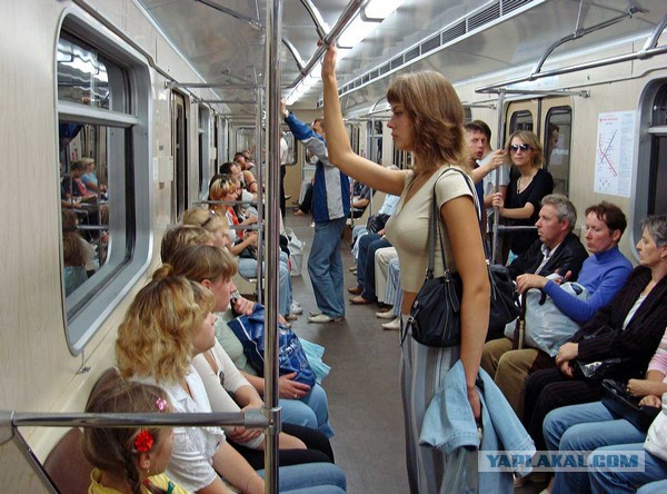 devushki-metro