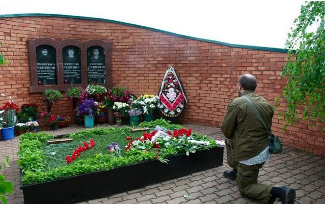 Почтили память воина Евгения Родионова.