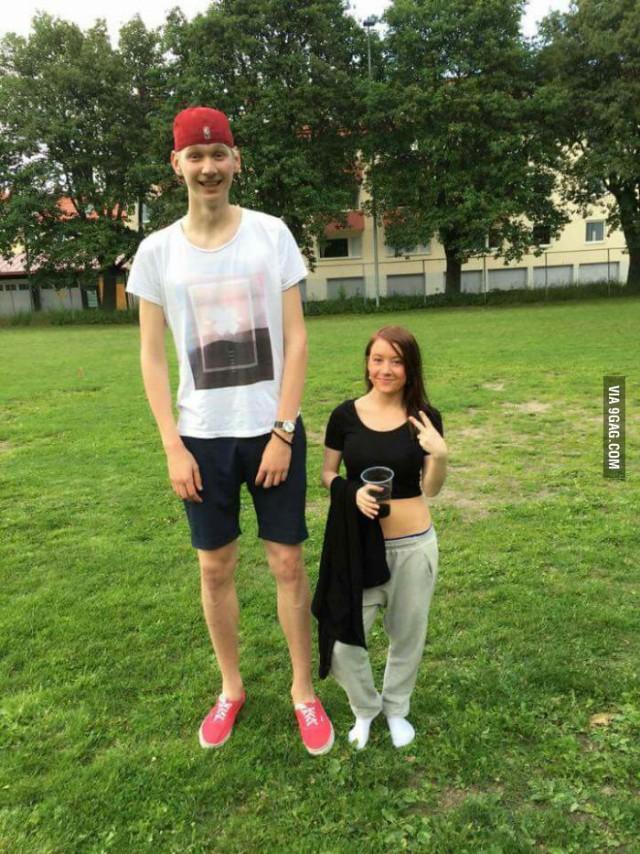 Девушка низенькая