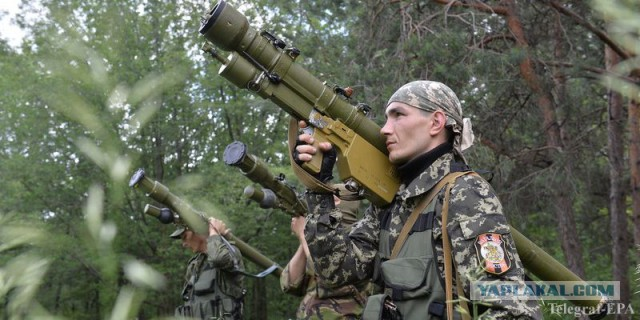 В  районе г.Ждановка  упал  самолёт укроВВС