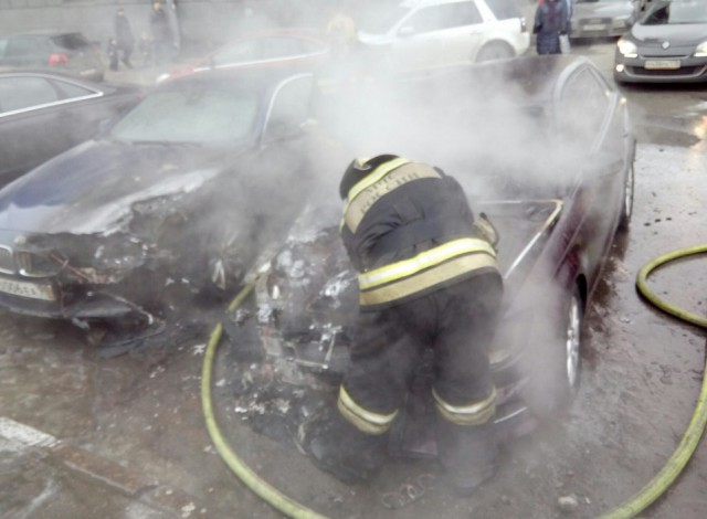 Сгорела заряженная BMW 6 Alpina жены Шнура
