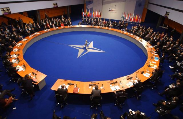 НАТО готово предоставить Украине защиту