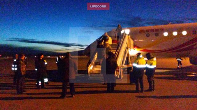 Самолёт Джеки Чана сел на дозаправку в аэропорту Магадана