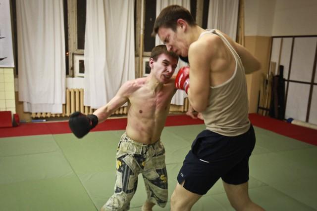 Подпольный бойцовский клуб в Москве