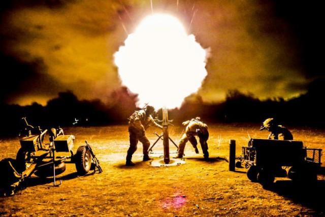 Ужасает и завораживает одновременно: 10+ примеров оружия в момент выстрела