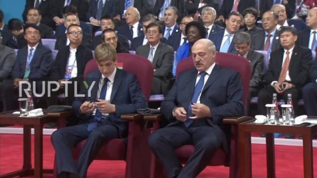 Николай Лукашенко на саммите ШОС сел в один ряд с главами государств