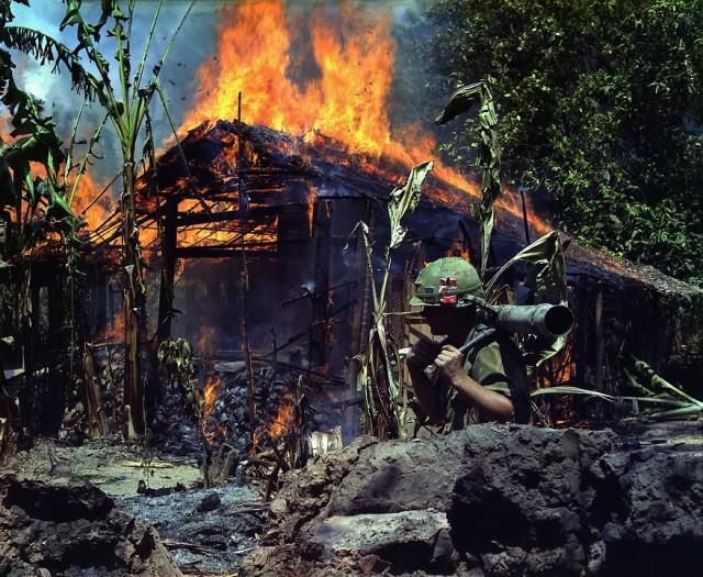 Напалм — оружие, превратившее Вьетнам в огненный ад