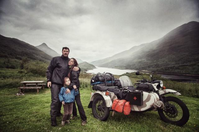 Семейная пара с ребёнком объехали Европу