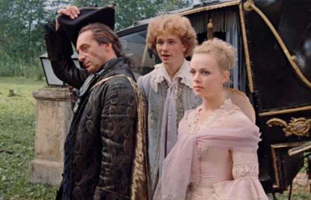 За кадром фильма «Формула любви»: Почему актеры отказывались от ролей, и о чем была песня «Уно моменто»