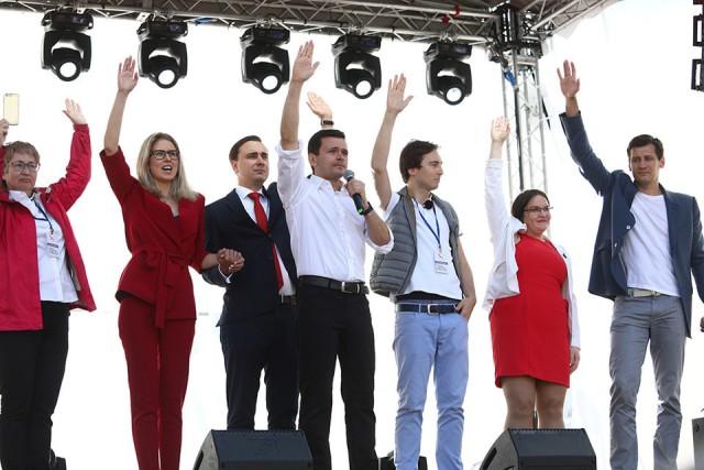 Иски на 13 млн рублей подали к Соболь, Навальному и другим оппозиционерам