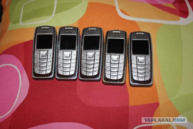 Ретро телефоны в барахолку