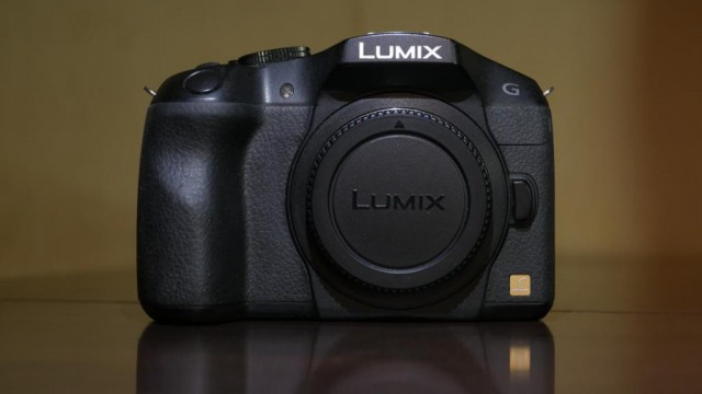 Беззеркалка Panasonic Lumix g6 body