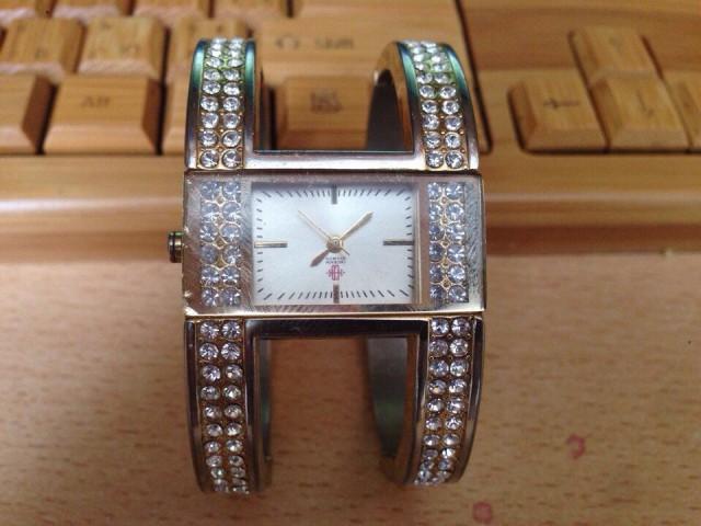 Часы Erickson Beamon