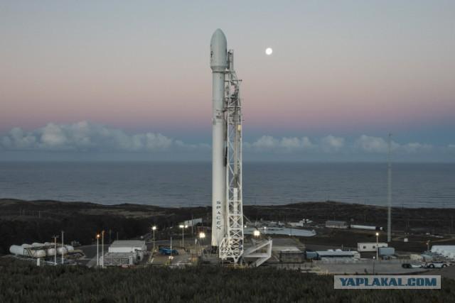Казахстан доверит запуск двух спутников Илону Маску