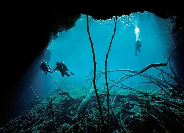 Дайвинг в подводных пещерах