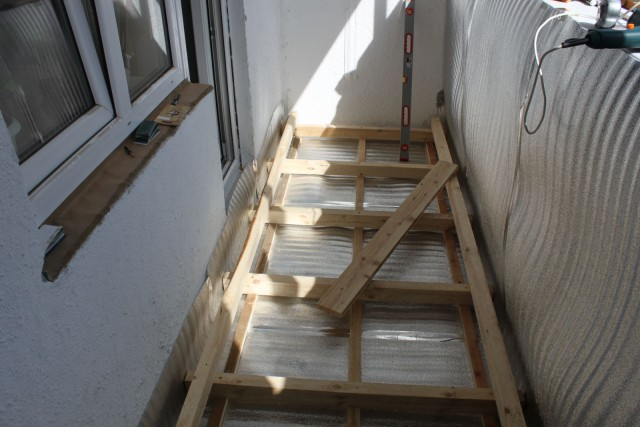 Отделка балкона своими силами