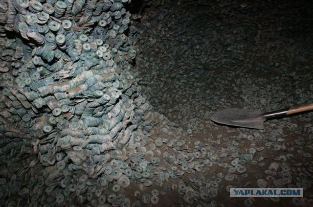 В Китае обнаружили 10 тонн золотых монет