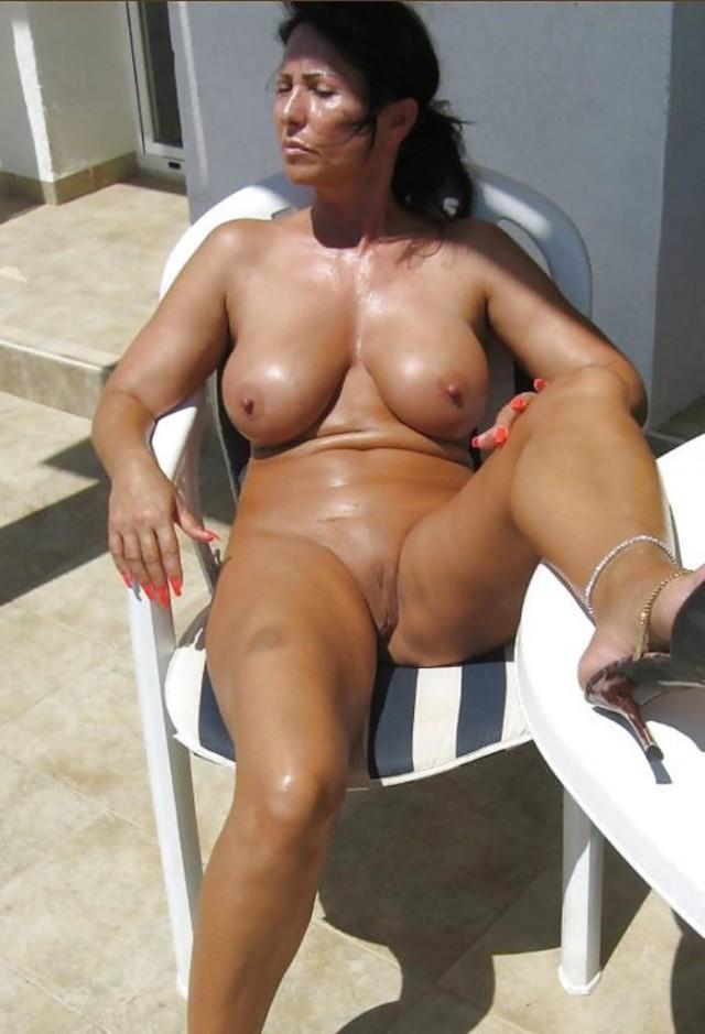 porno-zrelie-v-bikini