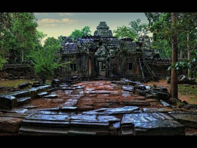 Удивительный и сюрреалистический Ангкор Ват