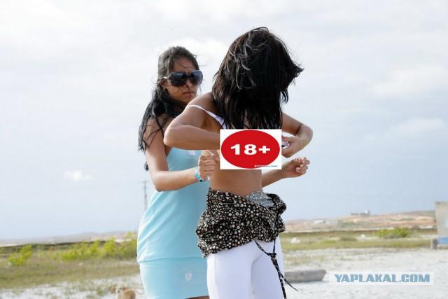 Пляжные сиськи и пи... 18+
