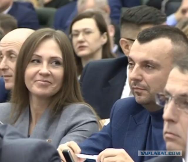 Губернатор Кузбасса отчитал депутата от КПРФ за то, что он пришел в водолазке