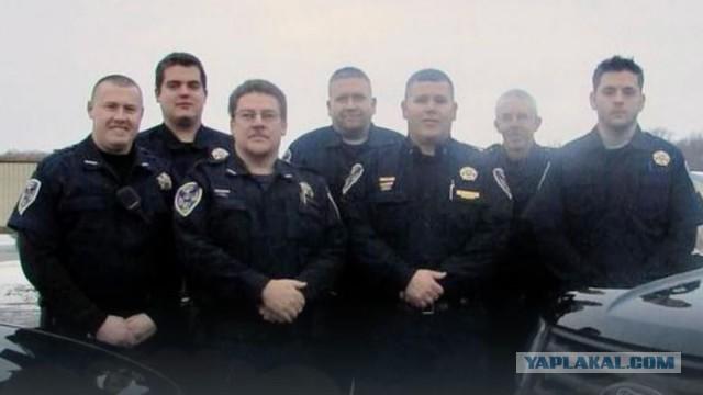 В США в полном составе уволилось управление полиции города