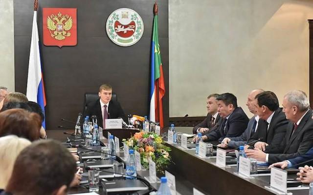 Правительство Хакасии засекретило размер премий чиновников