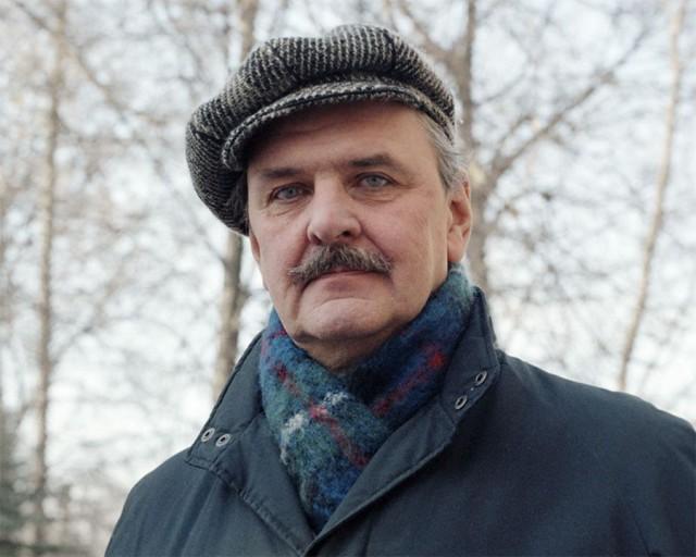 Юрий Яковлев на прогулке, 1988 год