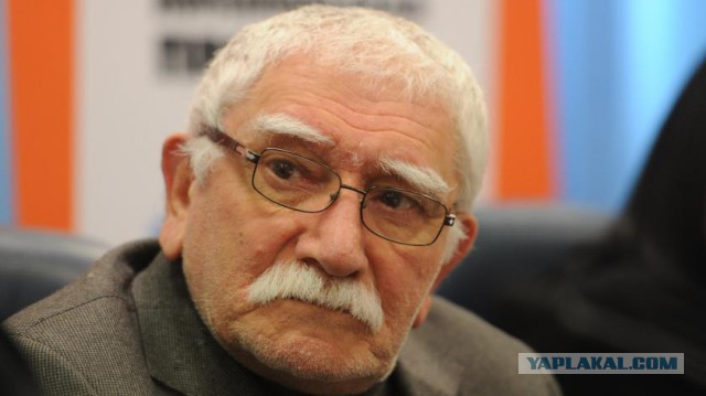 Армен Джигарханян впал в кому