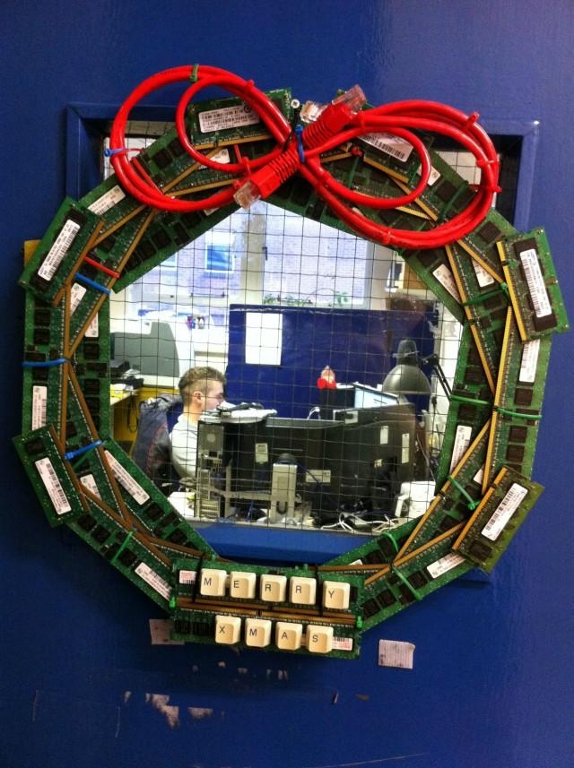 Рождественский венок у IT-шников