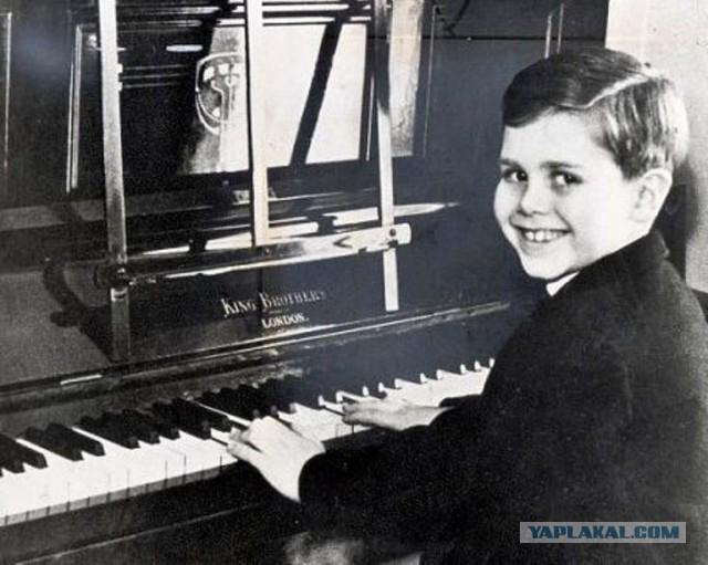 Вот такой вот Elton John!