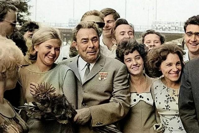 Во времена Брежнева бесплатные квартиры получили 164.000.000 человек. Это правда или миф?