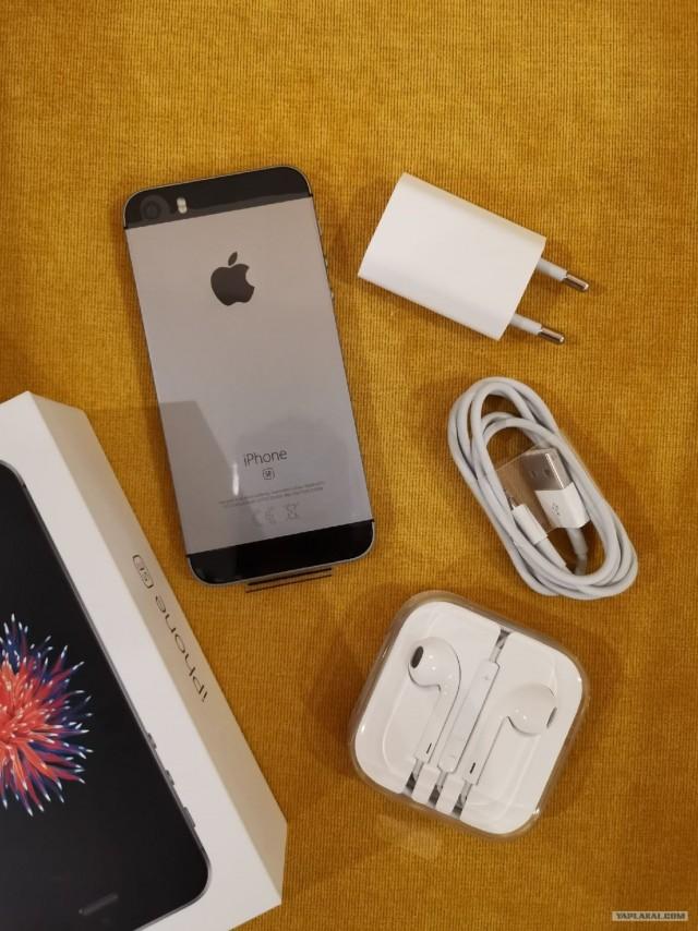 iPhone SE 32Gb почти новый