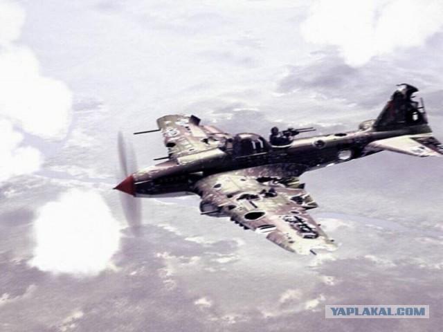 ИЛ-2 летит после боя домой...