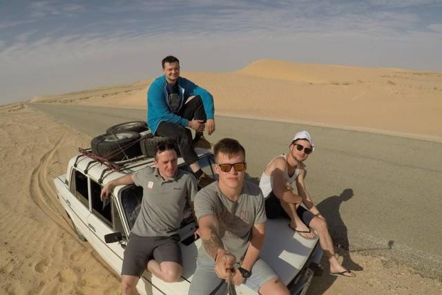 Как четверо россиян на старом ВАЗ-2106 доехали из Петербурга в Гамбию