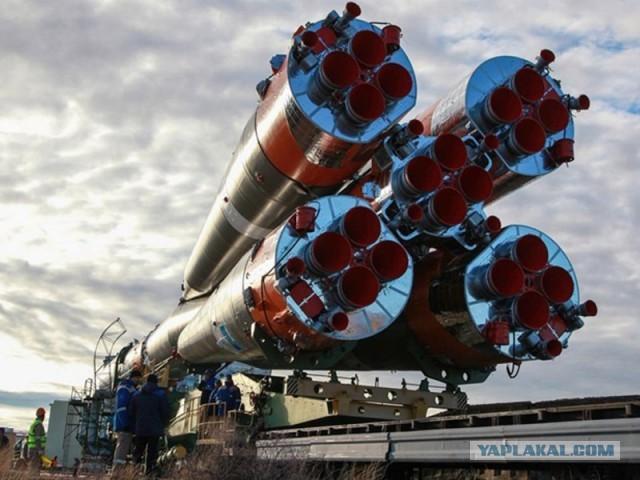 Пуск ракеты-носителя «Союз-ФГ» с пилотируемым кораблем «Союз МС-15».