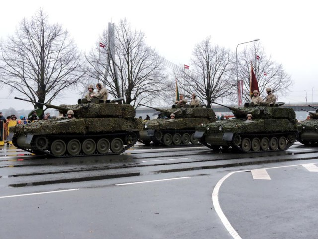 Военный парад в Риге 18 ноября 2016 года