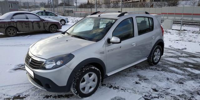Продаётся Renault Sandero Stepway (Москва)
