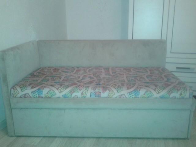 Продам детский диван-кушетку