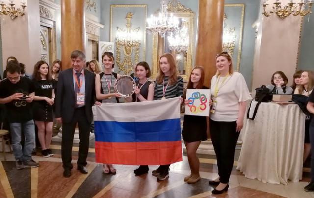 Российские школьницы одержали победу на VII Европейской математической олимпиаде для девушек