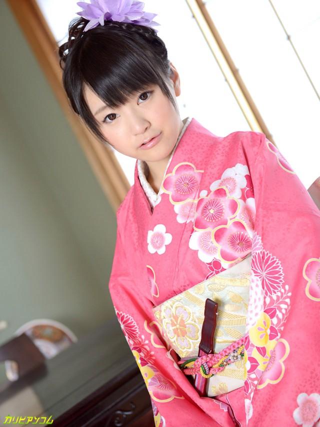 Японские девушки-красавицы. Разрешённая лёгкая эротика.