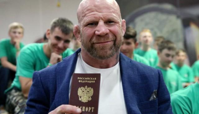 Боец Джефф Монсон стал депутатом в России