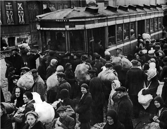 Лица Советской эпохи: Люди во время