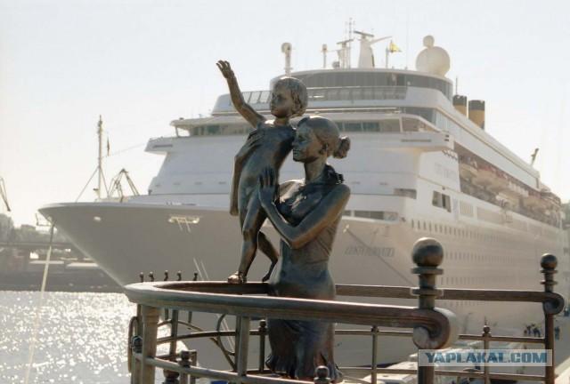 Туристы не хотят в Одессу, хотят в Крым