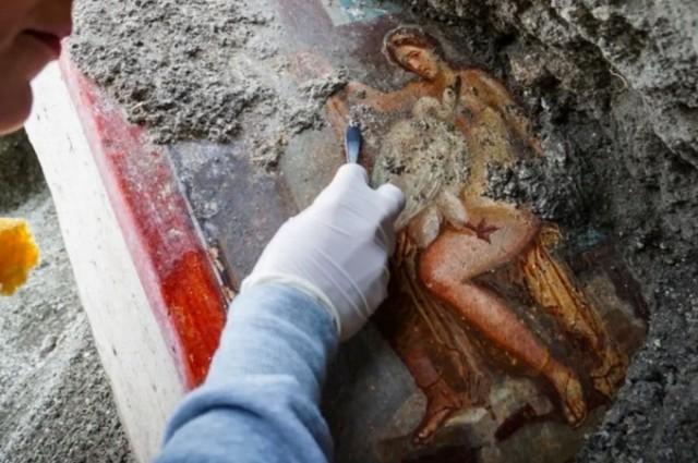 Как выглядел Pornhub в первом веке нашей эры: в Помпеях нашли древнюю эротическую фреску