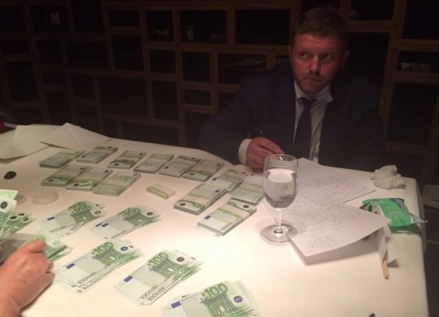 В Москве при получении взятки в 400.000 евро в ресторане задержан Никита Белых
